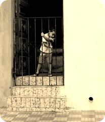 menino portão
