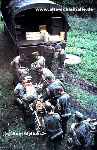 Kaserne auf der Freiheit Ausb.Kp. 748