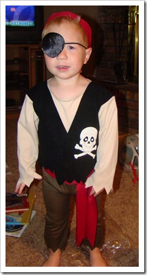 10-31-08 Zane pirate 022