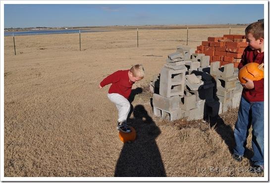 11-25-10 pumpkin chunkin 15