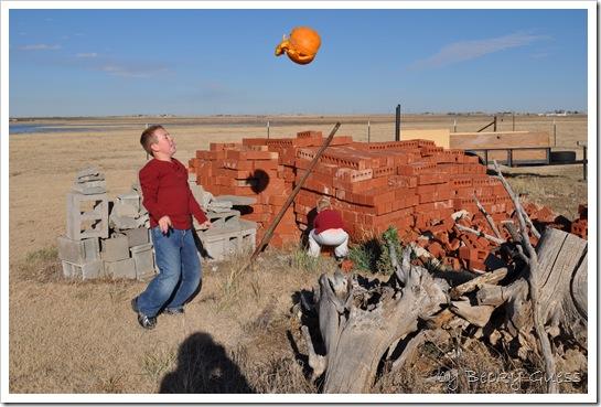 11-25-10 pumpkin chunkin 27