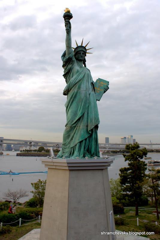 Japan Tokyo Odaiba USA New York Liberty Statue Япония Токио Одайба США Нью Йорк Статуя Свободы