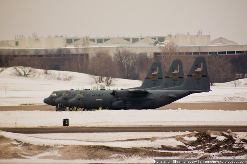 USA Minnesota Minneapolis Saint Paul International Airport 93th Airlift Wing C-130 Hercules США Миннесота Миннеаполис Сент-Пол Международный Аэропорт 93 транспортное крыло С-130 Геркулес