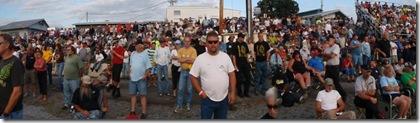 crowd02