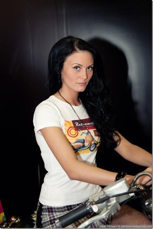 Belas garotas na Motor Park 2011 na Russia (9)