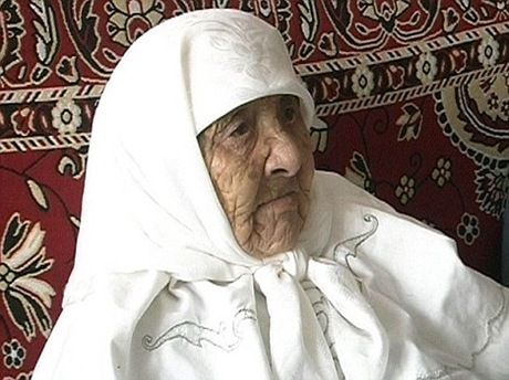 World's Oldest Person Kazakh woman Sakhan Dosova pic