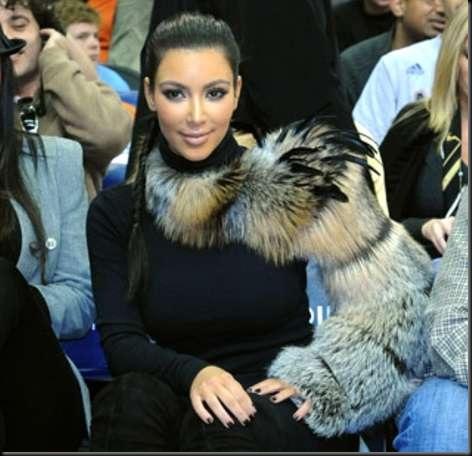 kim-kardashian-fur-obsession1shoulderFurShrugs