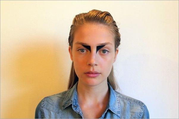makeup-trends-2011-eyeshadow-extended-kimberly-ovitz-jpg
