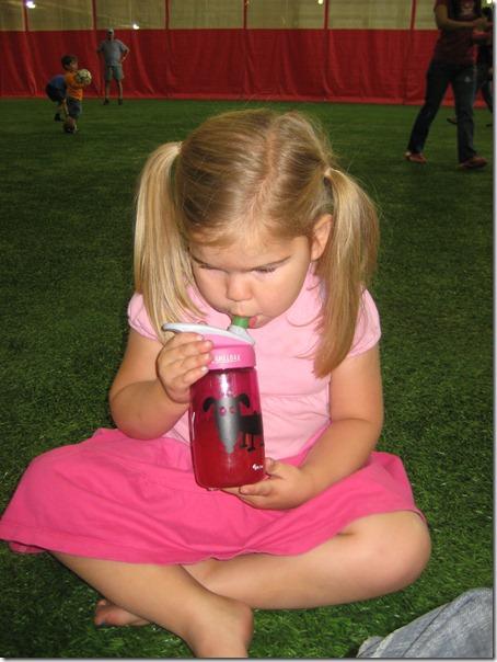 2010-06-16 Lucy fun 2302