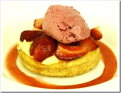 swoon kitchenbar, meatless mondays menu, strawberry tart, vanilla custard, black currant ice cream, everbearing strawberries