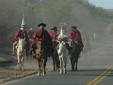 Gauchos et procession