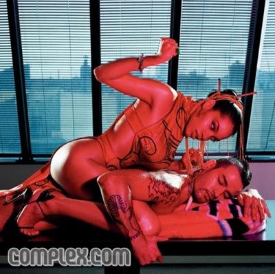 rosario-dawson-complex-01-