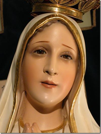 Sacred Statue - Christmas 2002  D (80)