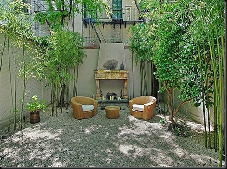 uma-thurman-back-patio