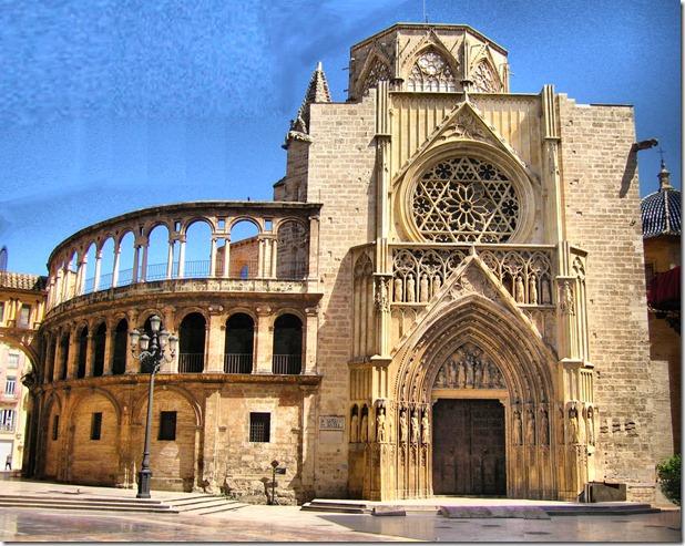 Catedral Porta_apòstols_maigb_fhdr