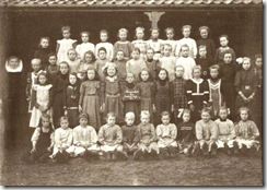 Week 2009-25 - Schoolfoto Meisjes 1911