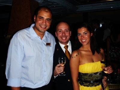 Gustavo, eu e Carolina, os únicos a falar português a bordo.