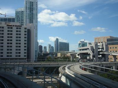 Miami tem cenários onde parece uma cidade do futuro