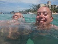 A idéia era tirarmos uma foto com o Destiny lá muito ao fundo, mas o Grégos estava a lutar pela vida, quase a afogar-se!