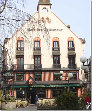 Cafe des Tribuneaux