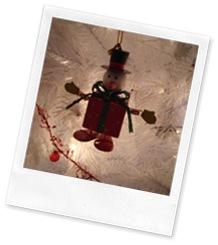 Snowman Present Ornament
