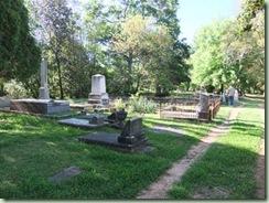 Le Cimetière américain et ses vieilles tombes dont celle de la mère de P. Maës