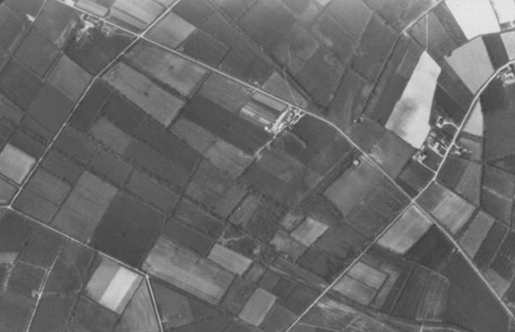 [Le maillage géométrique du bocage sur les anciennes landes de Muzon[4].jpg]