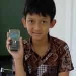 Fahma Waluya Rosmansyah bersama Nokia E71