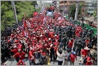 Red shirts demo in Pattaya (Reuters)