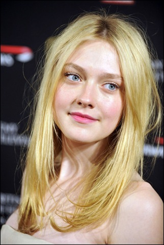 Dakota Fanning Long Hairstyles Long Center WEb4URQKE04l