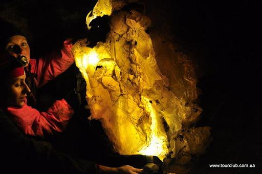 гіпсовий плафон в печері Золушка