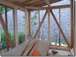 自然素材の家 筋交い間柱