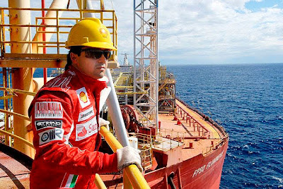 Фелипе Масса на нефтяной вышке FPSO Fluminense 1