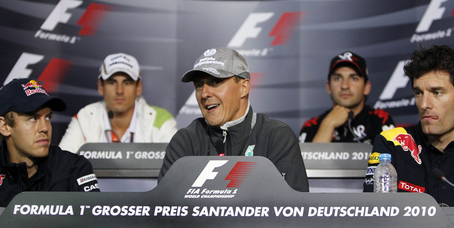 Михаэль Шумахер Себастьян Феттель и Марк Уэббер на пресс-конференции на Гран-при Германии 2010