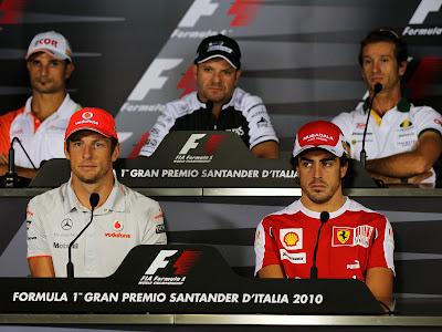 гонщики Формулы-1 на пресс-конференции Гран-при Италии 2010