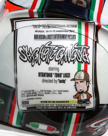 шлем Витантонио Льюцци специально к Гран-при Италии 2010 вид сзади
