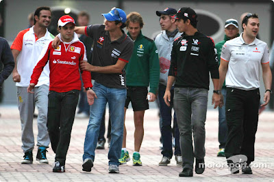 Фелипе Масса Бруно Сенна Лукас ди Грасси и другие гонщики на Гран-при Кореи 2010