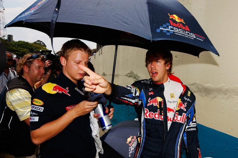 Себастьян Феттель перед гонкой на Гран-при Бразилии 2010