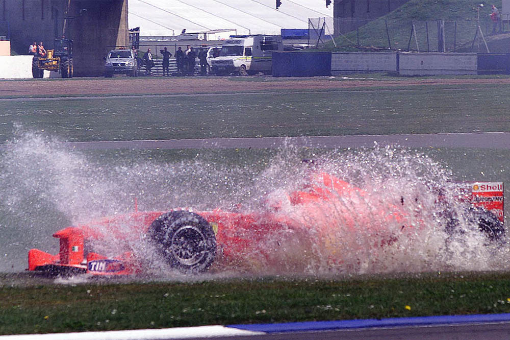 Рубенс Баррикелло и Ferrari в воде