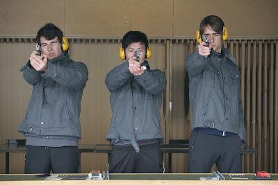 гонщики Sauber тренируется в стрельбе