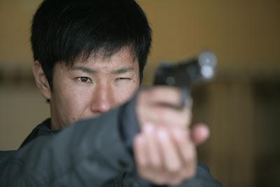 Камуи Кобаяши тренируется в стрельбе