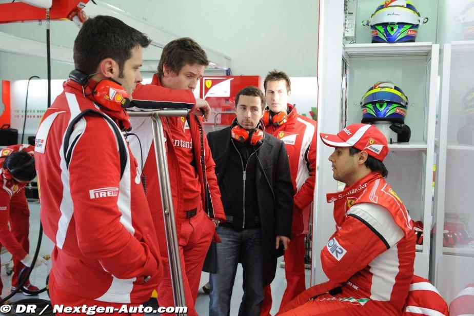 Фелипе Масса в боксах Ferrari после сгоревшего мотора на тестах в Валенсии 2011