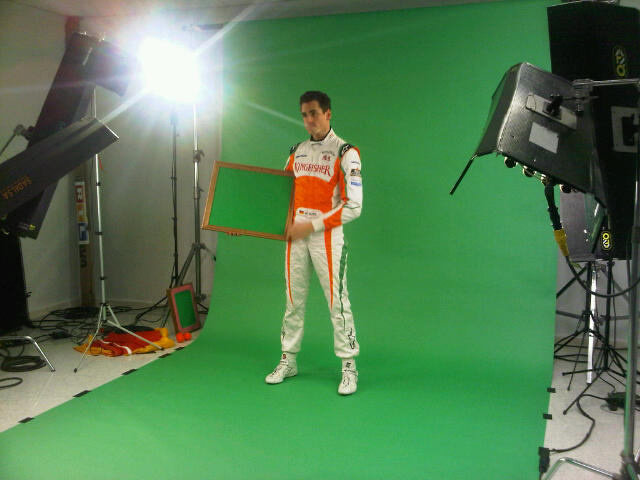 Адриан Сутиль на съемках для рекламы в межсезонье 2010-2011