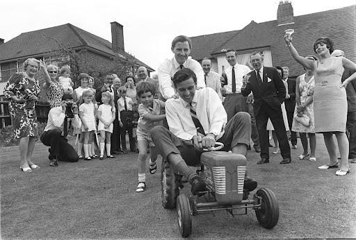 Damon_Hill_Graham_Hill_Jim_Clark_Indy_500_1966.jpg