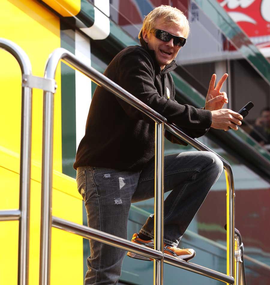 Хейкки Ковалайнен пис на тестах 2011 на трассе Каталунья