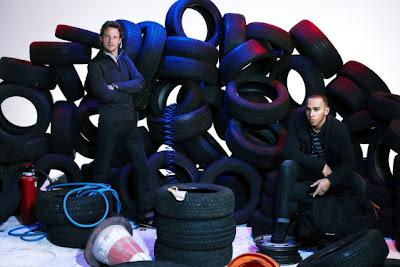 фото Дженсон Баттон и Льюис Хэмилтон для рекламы Vodafone