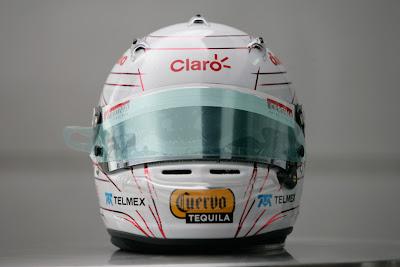шлем Камуи Кобаяши в поддержку Японии спереди на Гран-при Малайзии 2011