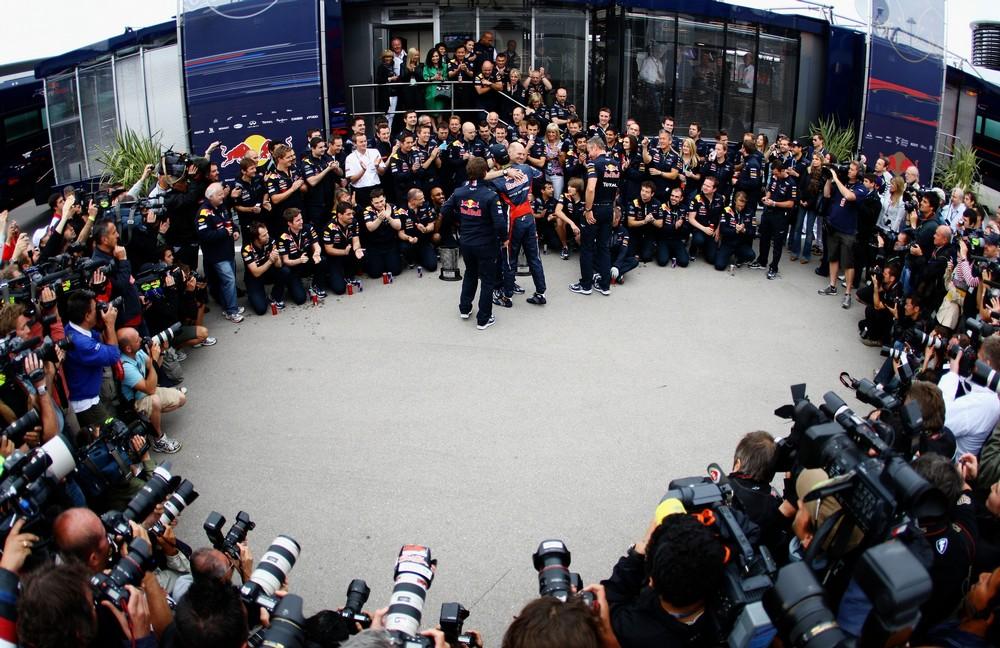 Red Bull отмечают победу на Гран-при Турции 2011