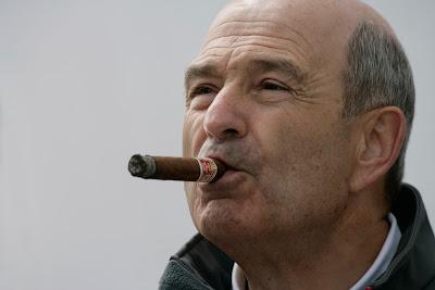 Петер Заубер с сигарой на Гран-при Турции 2011