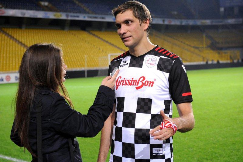 Виталий Петров дат интервью после футбольного матча на Гран-при Турции 2011